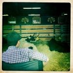 Luxusvieh Farmer hütet seine Kühe