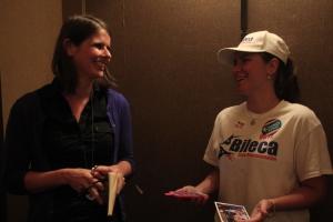 Corinna Kreiler mit Danielle Cabo